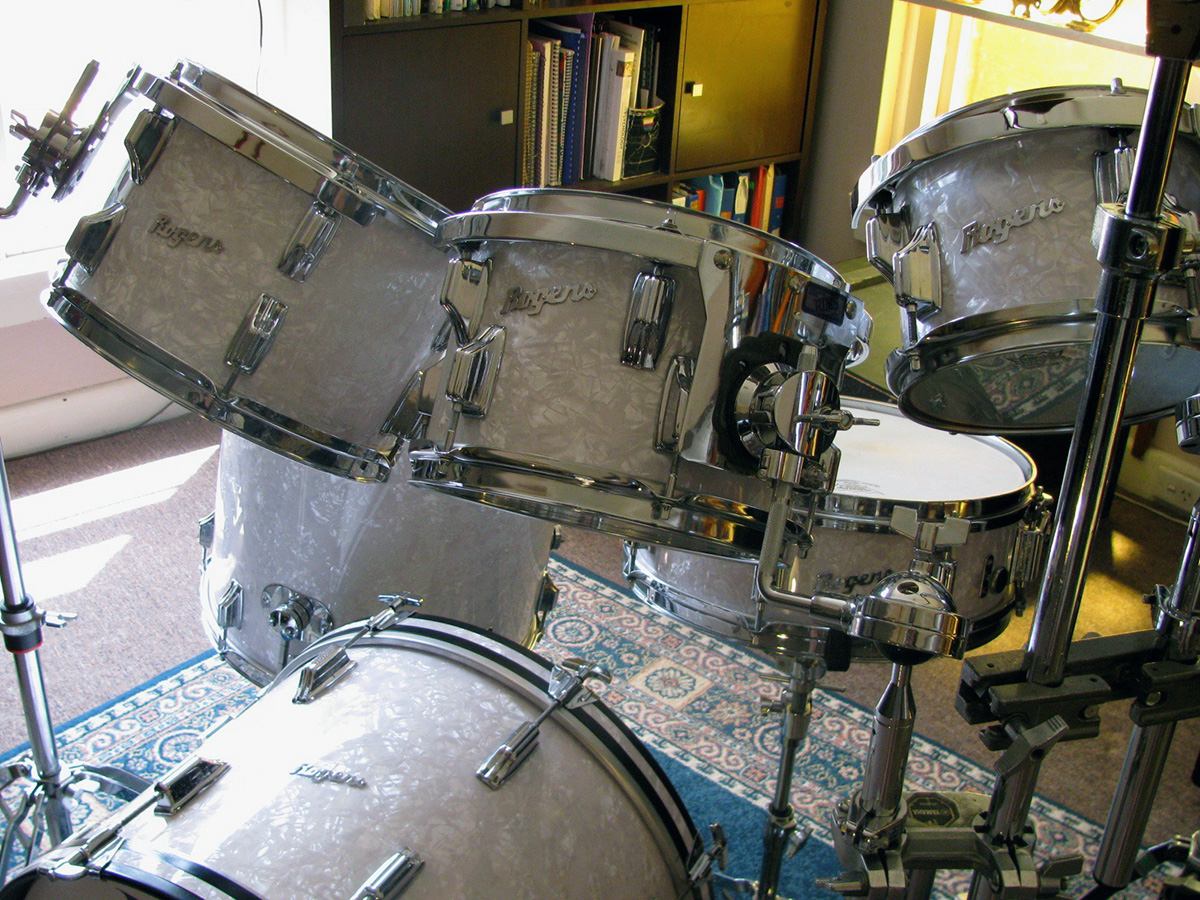 Rogers drums wrapped in White Marine Pearl.