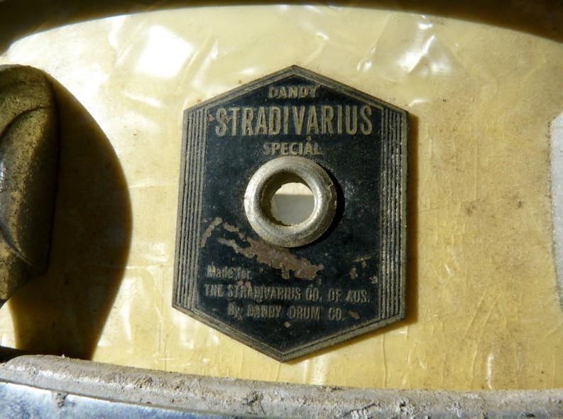 Dandy Stradivarius badge