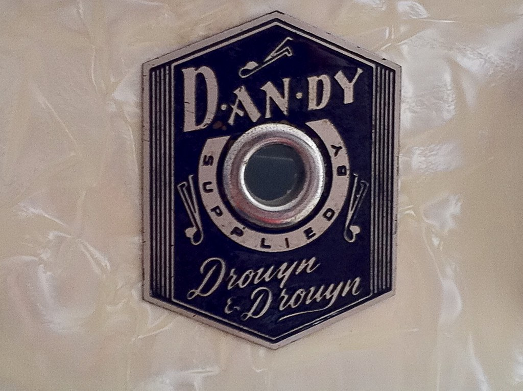 Dandy Drouyn & Drouyn badge